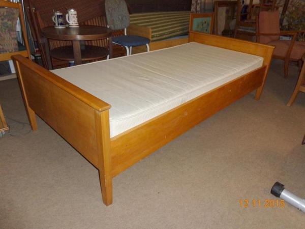 2 betten mit matratze in helmstadt bargen kaufen und verkaufen ber private kleinanzeigen. Black Bedroom Furniture Sets. Home Design Ideas