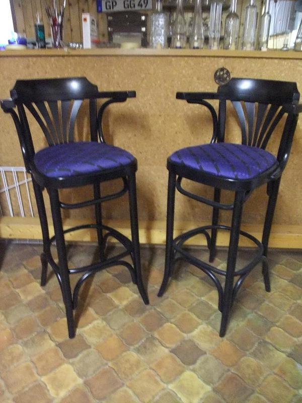 barhocker holz gebraucht barhocker mit lehne gebraucht dekorieren bei das haus design. Black Bedroom Furniture Sets. Home Design Ideas