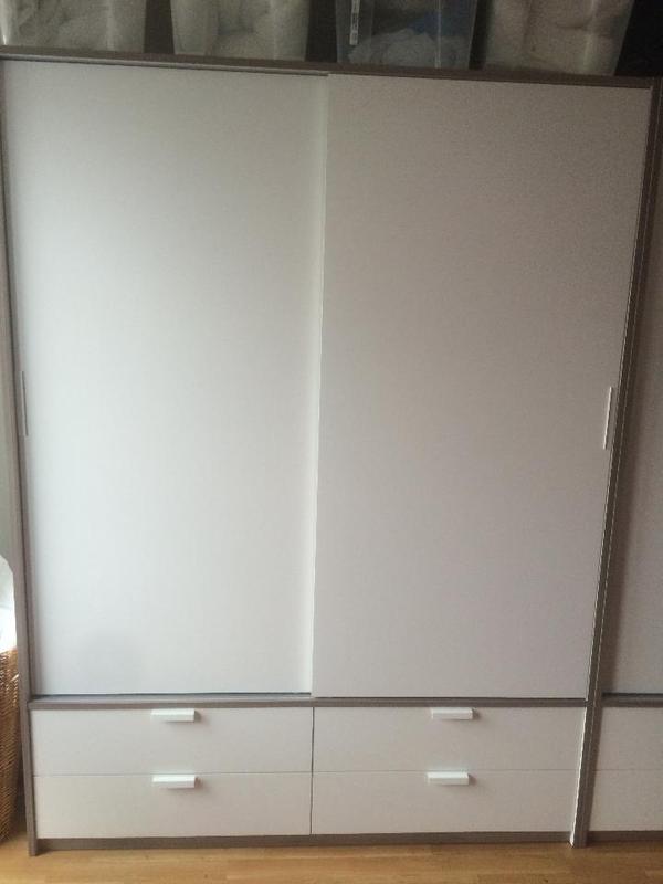 2 ikea kleiderschrank trysil wei in frankfurt schr nke. Black Bedroom Furniture Sets. Home Design Ideas
