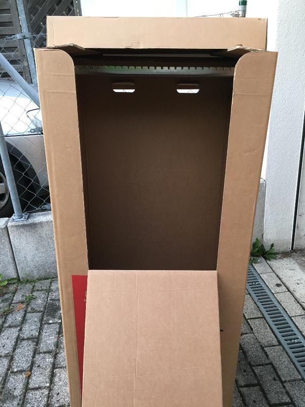 2 kleiderkartons f r umzug zu verkaufen in m nchen umzugskartons verpackung kaufen und. Black Bedroom Furniture Sets. Home Design Ideas