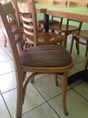 37 Bugholz-Stühle