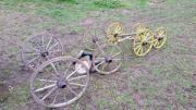 Achsen mit Holzrädern