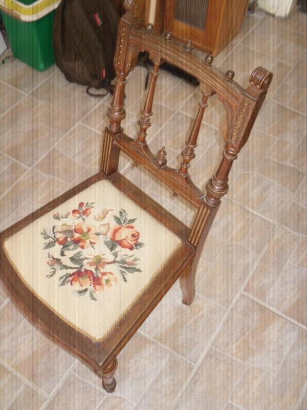 alter antiker stuhl mit gobelin sitzpolster kleinanzeigen aus neulingen rubrik stilm bel. Black Bedroom Furniture Sets. Home Design Ideas