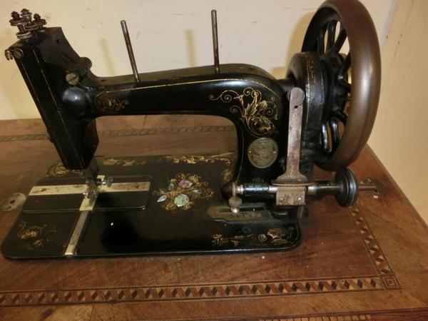 antike n hmaschine 39 dietrichs singer typ b 39 um 1900 in paderborn sonstige antiquit ten kaufen. Black Bedroom Furniture Sets. Home Design Ideas