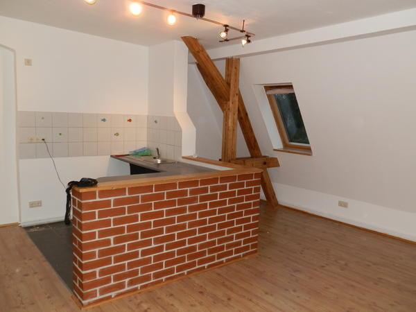 attraktive dachgeschosswohnung in g rlitz vermietung 3 zimmer wohnungen kaufen und verkaufen. Black Bedroom Furniture Sets. Home Design Ideas