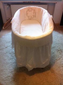betten wickeltisch wiege in k ln local24 kostenlose kleinanzeigen. Black Bedroom Furniture Sets. Home Design Ideas