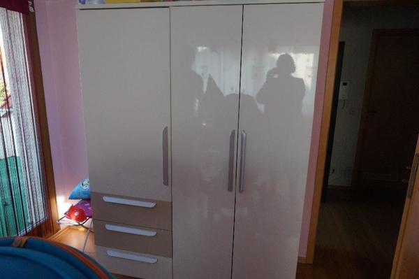 babyzimmer kaufen gebraucht und g nstig. Black Bedroom Furniture Sets. Home Design Ideas