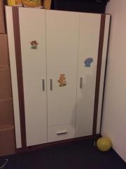 Babyzimmerschrank