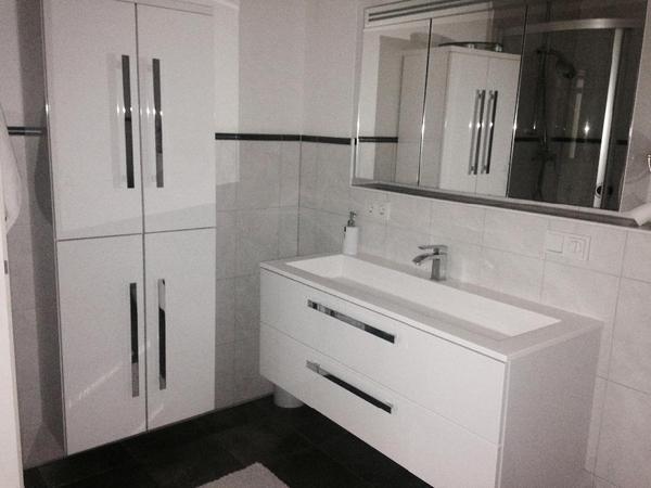 badgarnitur komplette ausstattung bad einrichtung und ger te. Black Bedroom Furniture Sets. Home Design Ideas