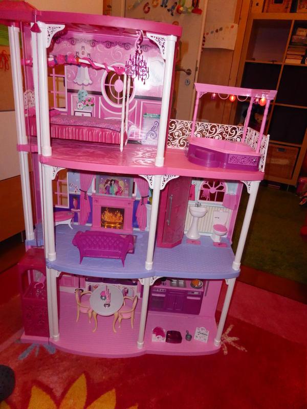 barbie puppen kleinanzeigen familie haus garten. Black Bedroom Furniture Sets. Home Design Ideas
