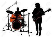 Bassist und Drummer/