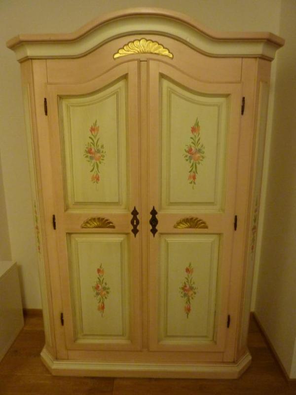 bauernschrank neu und gebraucht kaufen bei. Black Bedroom Furniture Sets. Home Design Ideas