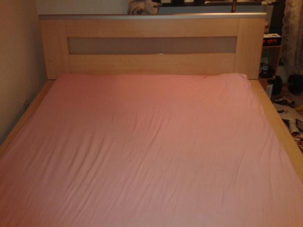 bett kleiderschrank kommode schlafzimmer sehr gut erhalten in karlsruhe schr nke. Black Bedroom Furniture Sets. Home Design Ideas