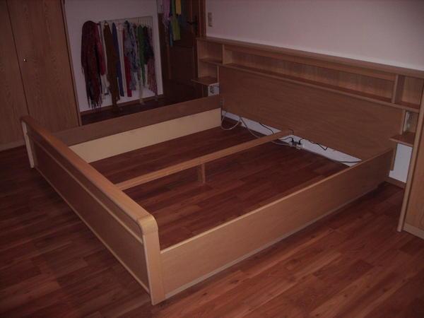 bett mit berbau in dorfen betten kaufen und verkaufen ber private kleinanzeigen. Black Bedroom Furniture Sets. Home Design Ideas