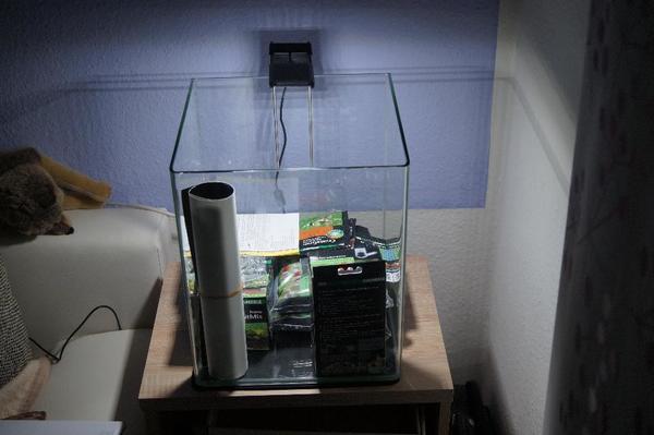 biete nano cube 30 l neu in dietzenbach fische aquaristik kaufen und verkaufen ber private. Black Bedroom Furniture Sets. Home Design Ideas
