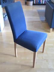 Blaue Stühle (Stoffbezug),