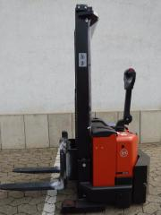 BT Hochhubwagen Freiträger