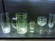 Diverse Teller, Gläser -