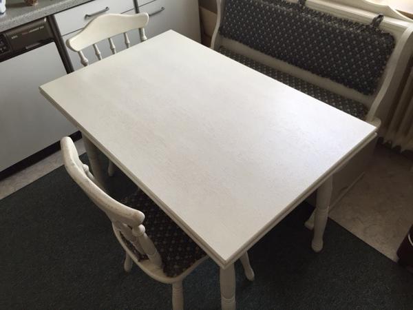 tisch zum ausziehen 2 st hle und eine bank zu verkaufen die m bel ist in einem sehr guten. Black Bedroom Furniture Sets. Home Design Ideas
