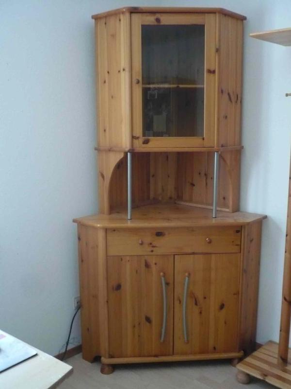 eckschrank kiefer massiv lackiert sehr gut erhalten in offenburg wohnzimmerschr nke. Black Bedroom Furniture Sets. Home Design Ideas