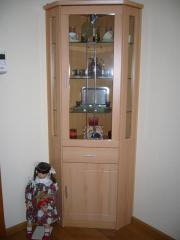 eckvitrine buche in eching haushalt m bel gebraucht und neu kaufen. Black Bedroom Furniture Sets. Home Design Ideas
