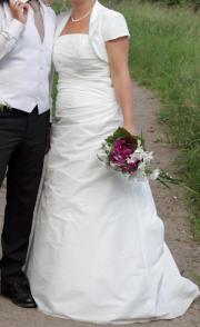elegant, stilvolles Brautkleid