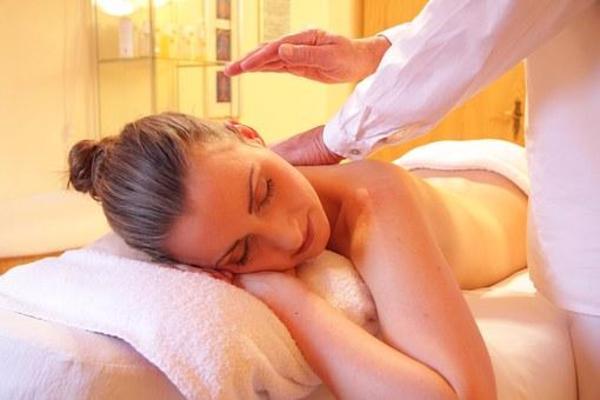 Erregende intime Massagen » Erotische Massagen aus Waldshut-Tiengen
