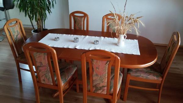 verkaufe einen sch nen ovalen esstisch ohne deko in der farbe kirschbaum die ma e sind. Black Bedroom Furniture Sets. Home Design Ideas