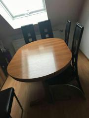 Esszimmer / Tisch mit