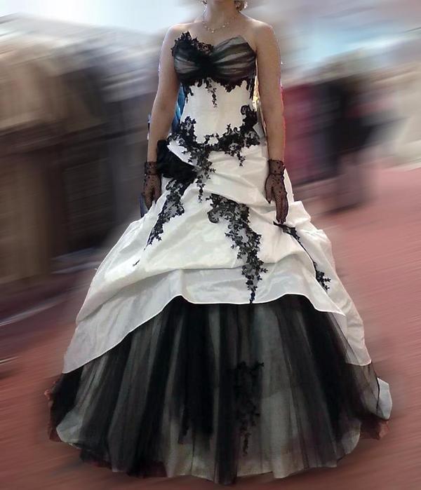Brautkleid Schwarz Weiß Günstig. glamour ses brautkleid gerafft ...