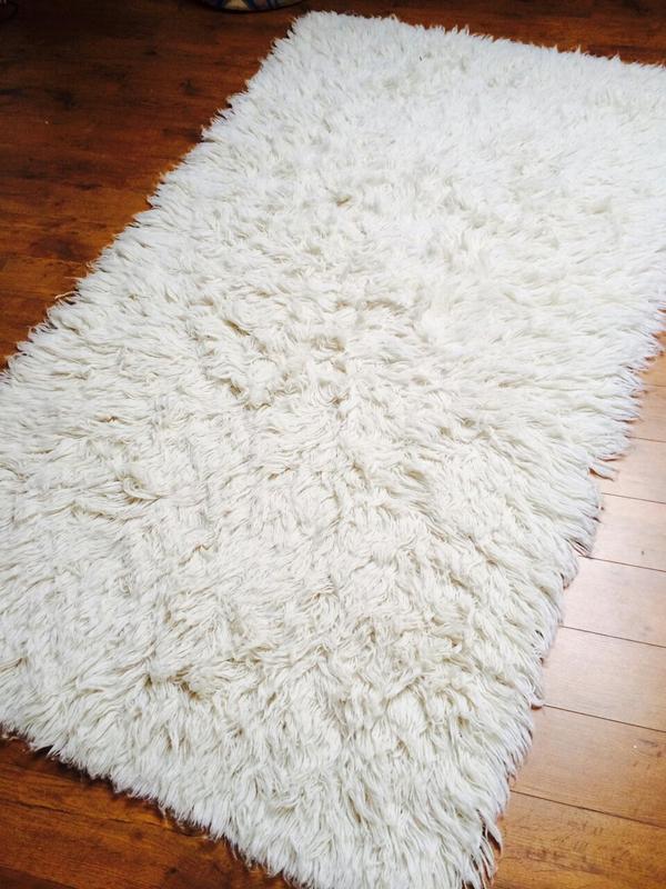 flokati langhaar teppich in wei 200x120 in karlsbad teppiche kaufen und verkaufen ber. Black Bedroom Furniture Sets. Home Design Ideas