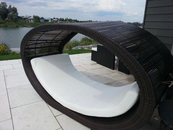 gartenliege xxl mit wei er matratze oberteil abnehmbar 2 60 m in erbach gartenm bel kaufen. Black Bedroom Furniture Sets. Home Design Ideas