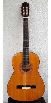 Gebrauchte Konzertgitarre