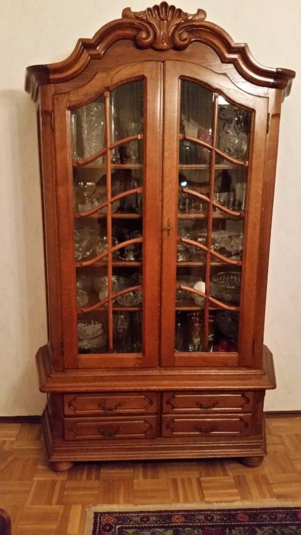 vitrine eiche rustikal kaufen gebraucht und g nstig. Black Bedroom Furniture Sets. Home Design Ideas