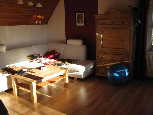 gro e wohnung sucht mitbewohner in oberdachstetten. Black Bedroom Furniture Sets. Home Design Ideas