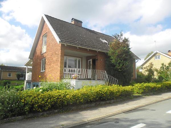 haus s dschweden zu verkaufen haus 122 qm 750 qm garten 2 garagen in frankfurt. Black Bedroom Furniture Sets. Home Design Ideas