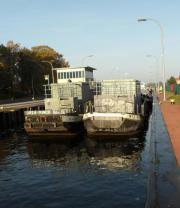 Hausboot, Wohnschiff, Containerschute