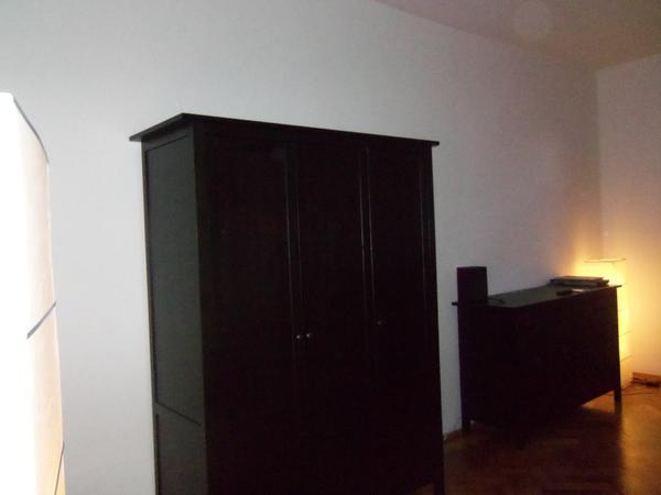 hemnes kleiderschrank 3 t rig in schwarzbraun ohne r ckwand in m nchen ikea m bel kaufen und. Black Bedroom Furniture Sets. Home Design Ideas
