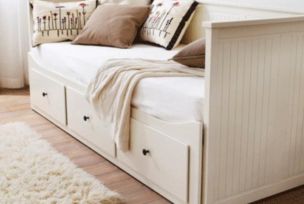 hemnes tagesbett g stebett von ikea mit 1 matratze in ostfildern ikea m bel kaufen und. Black Bedroom Furniture Sets. Home Design Ideas