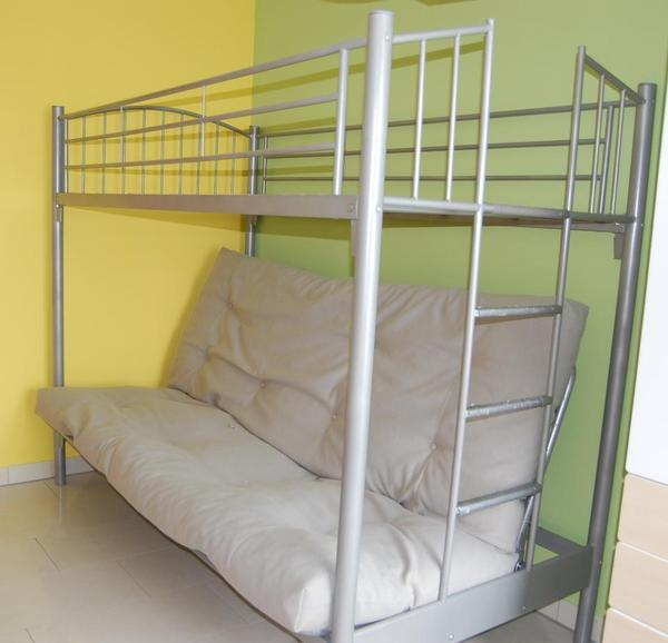 verkauft wird ein sehr praktisches hochbett mit klappsofa unten ma e ca lxtxh 210x110x170 cm. Black Bedroom Furniture Sets. Home Design Ideas