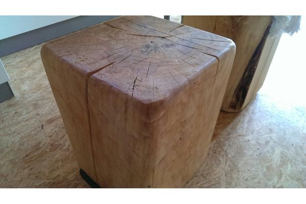 hocker holz klotz holzblock tisch sitz bank sitzbank massiv holz w rfel stuhl natur in ostheim. Black Bedroom Furniture Sets. Home Design Ideas