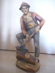 Holzschnitzfigur von Carlo