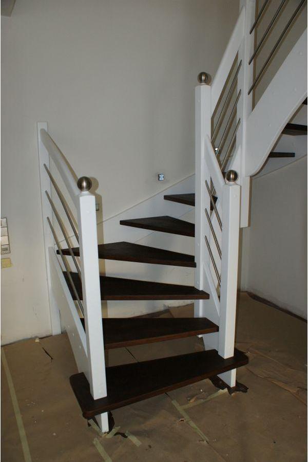 bild 6 holz holztreppe bekleidung der betontreppe oder gel nder. Black Bedroom Furniture Sets. Home Design Ideas