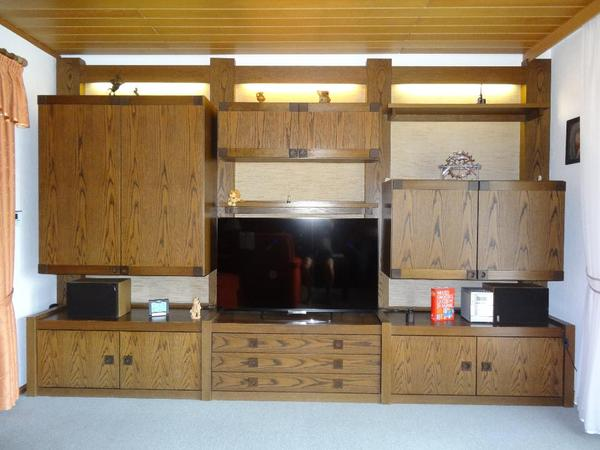 h lsta wohnwand inkl beleuchtung eiche echtholzfurnier. Black Bedroom Furniture Sets. Home Design Ideas
