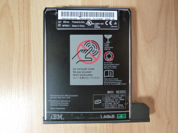 IBM ThinkPad Floppy &raquo; Zubehr fr tragbare Computer