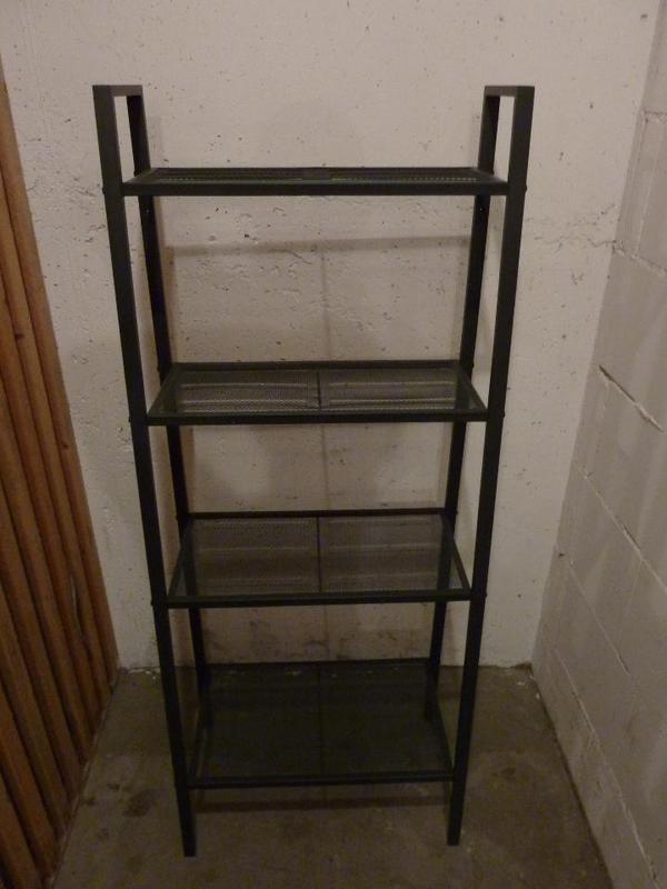 ikea metallregal im gutem zustand in b rstadt ikea m bel kaufen und verkaufen ber private. Black Bedroom Furniture Sets. Home Design Ideas