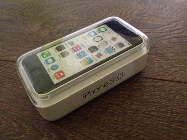 iphone 5c 16gb wei neu in stuttgart apple iphone. Black Bedroom Furniture Sets. Home Design Ideas