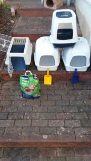Katzentoiletten und Transportbox