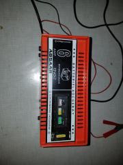 KFZ Batterie Ladegerät