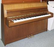 Klavier Yamaha 104,